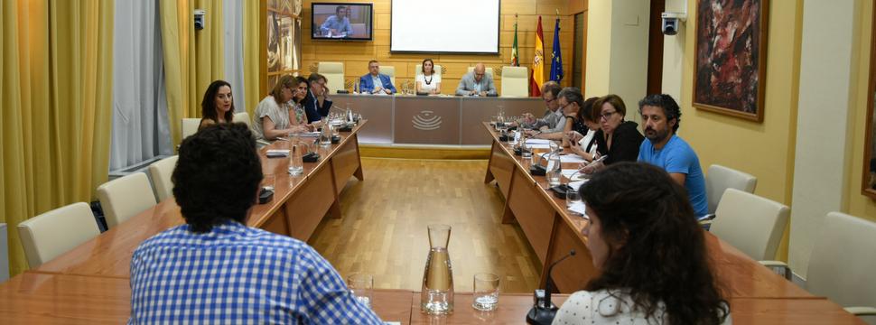 Comparecencia de AJE Extremadura en la Asamblea