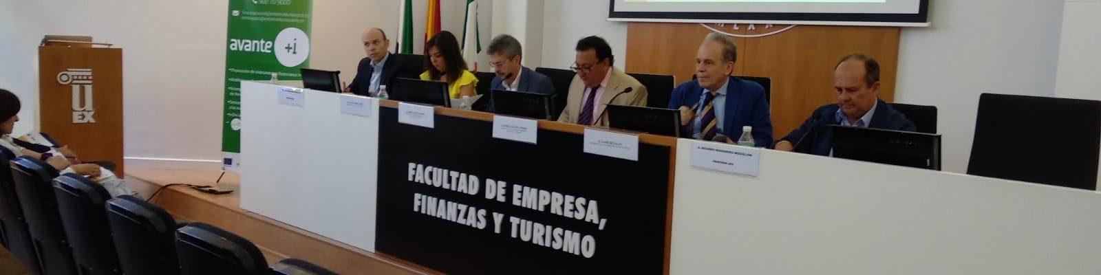 AJE Extremadura en la presentación del Informe FAEDPYME Extremadura